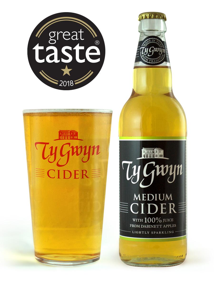 Bottle and pint of Ty Gwyn Medium Cider