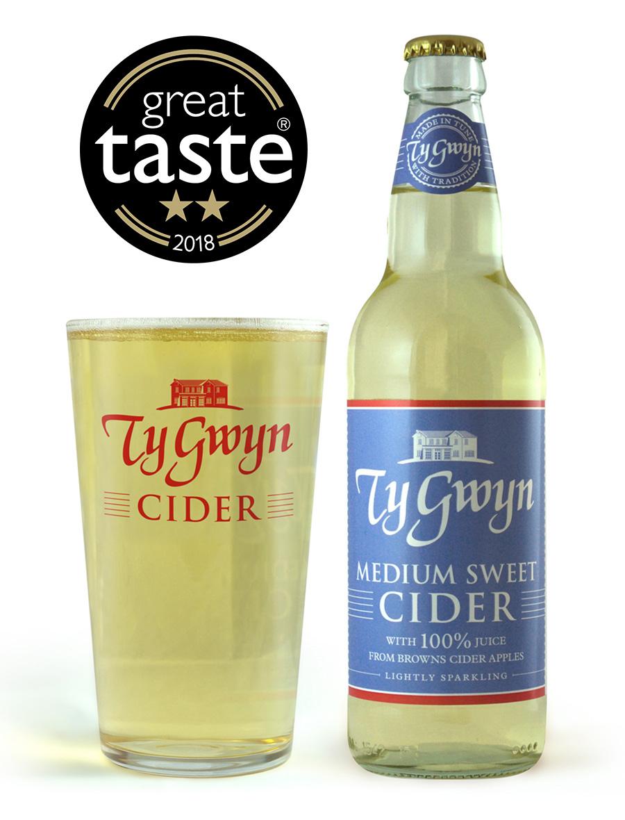 Bottle and pint of Ty Gwyn Medium Sweet Cider
