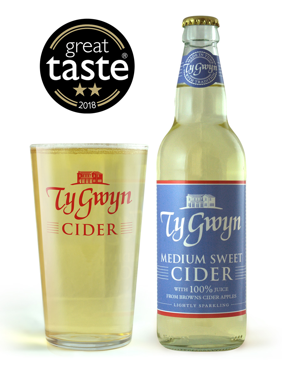 Bottle and pint of Ty Gwyn Medium Sweet Cider