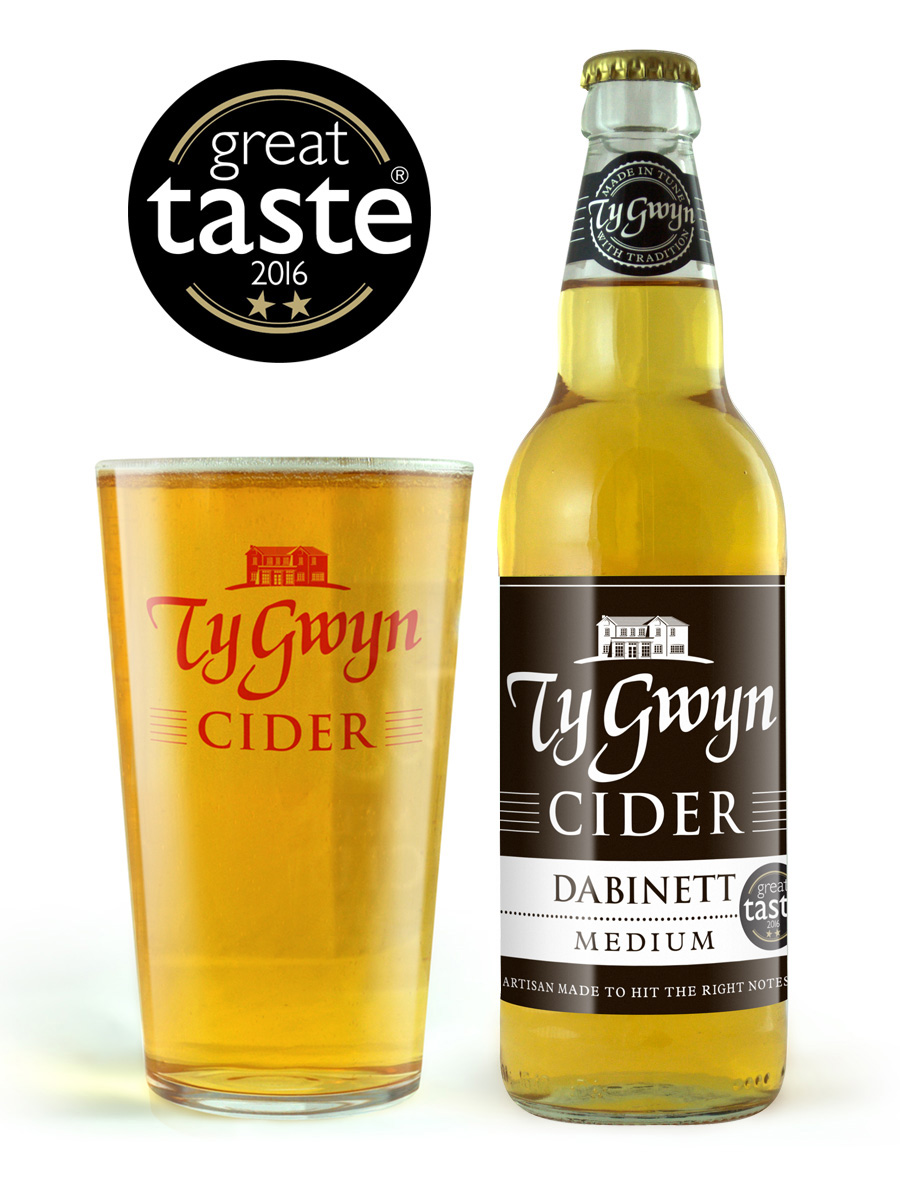 Bottle and pint of Ty Gwyn Medium Cider