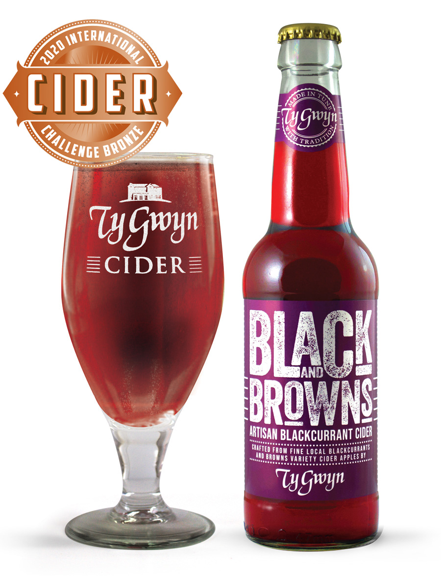 Bottle and glass of Ty Gwyn Black and Browns blackcurrant cider